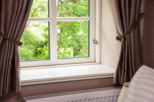 6 Mistakes To Avoid When Cleaning Your Curtain