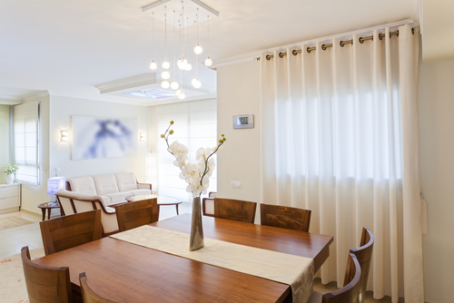 6 Reasons To Opt For Curtain Steam Cleaning Service