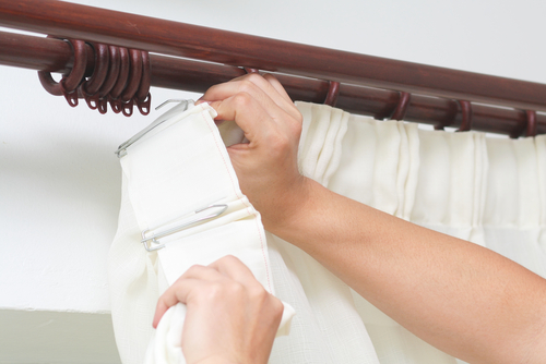 How To Wash Curtain With Rings
